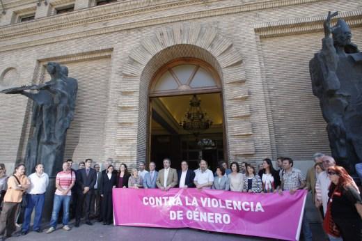 concentración violencia de género Ayuntamiento Zaragoza