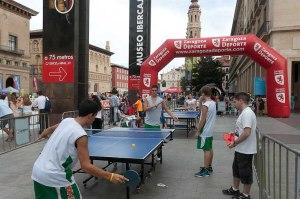 """Tenis de mesa de """"Deporte en la calle 2012"""" en la Plaza del Pilar de Zaragoza"""