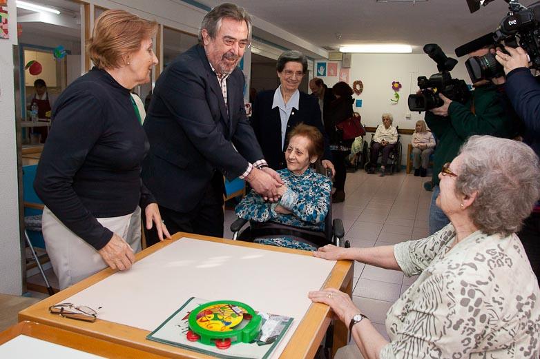 Visita del Alcalde de Zaragoza a la Casa Amparo
