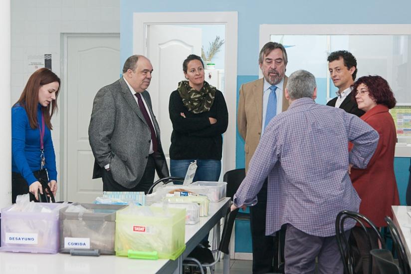 El Alcalde de Zaragoza visita La Caridad junto al Consejero de Accion Social