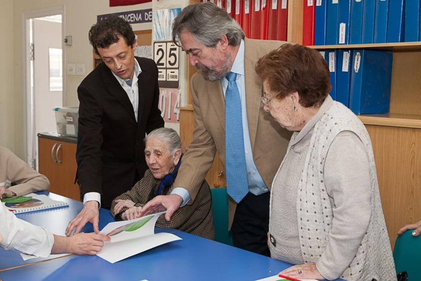 El Alcalde de Zaragoza visita La Caridad