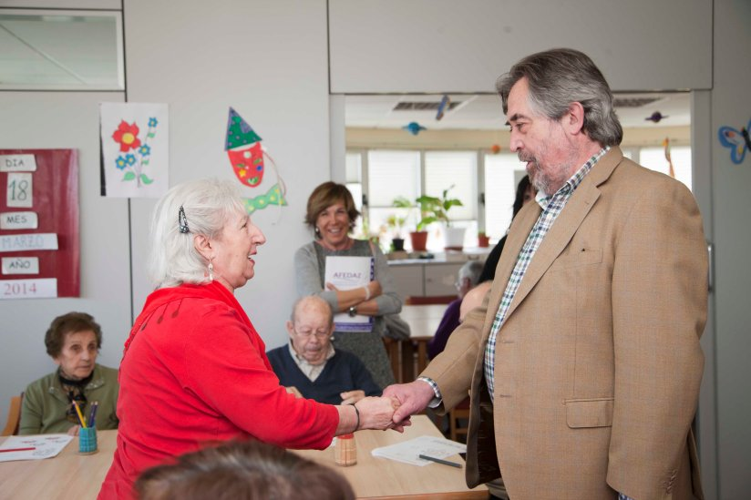 Alcalde de Zaragoza visita Afedaz_Alzheimer